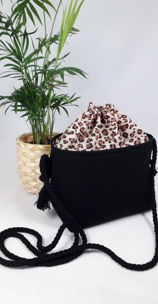 Small Cross-body Basket Animal